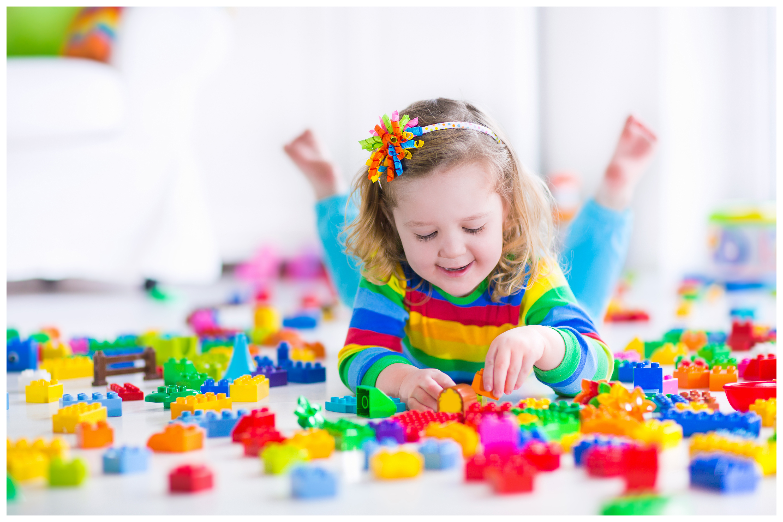 ребенок и Лего